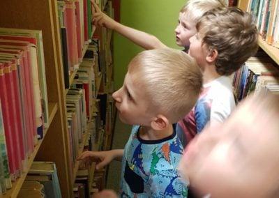 Dzień Bibliotekarza i wizyta w bibliotece.