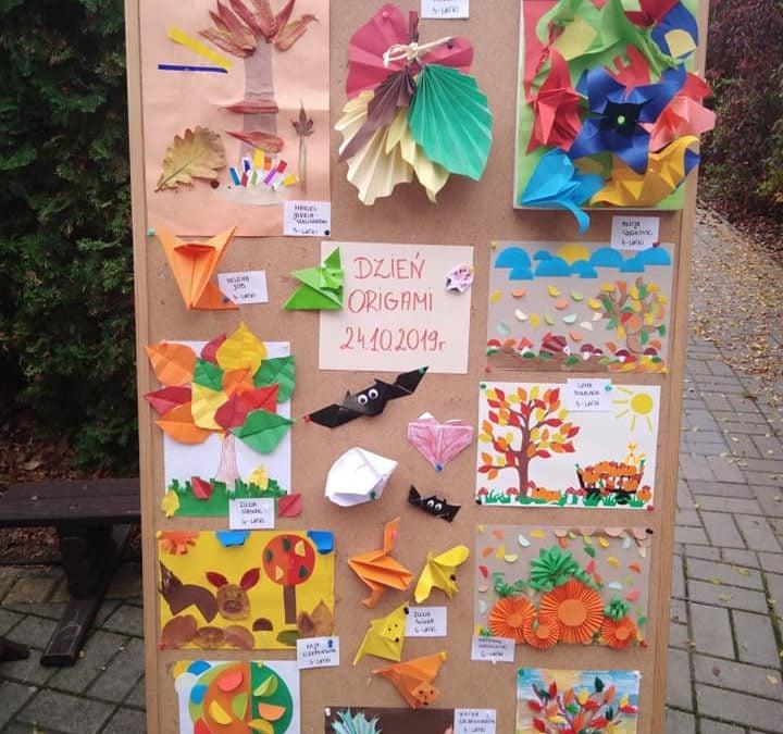 """Wystawa prac pt. """"Jesienne origami"""""""